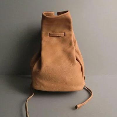 日本品牌 恰到好處牛皮後背包 兩色
