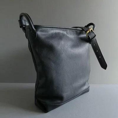 日本品牌 恰到好處單肩桶包 兩色 size